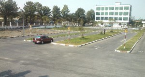 học lái xe ô tô quận Bình Tân