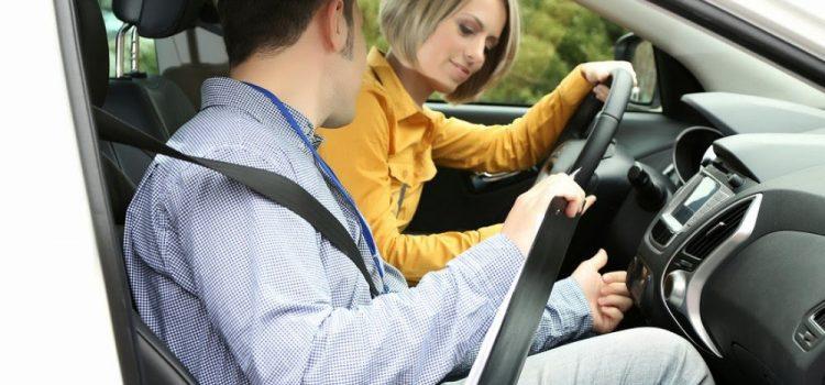 Các Bước Cơ Bản Học Lái Xe Ô Tô Cho Người Mới Bắt Đầu Học