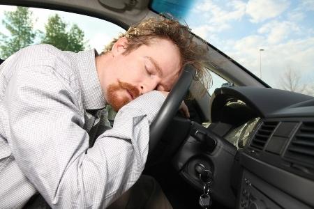 Làm Sao Để Tránh Ngủ Gật Khi Lái Xe Ô Tô?