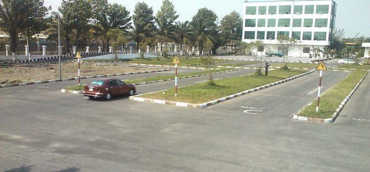 Thuê xe tập lái quận Phú Nhuận RẺ Thuê xe bổ túc tay lái Phú Nhuận
