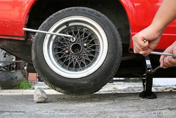 Cách thay lốp xe ô tô