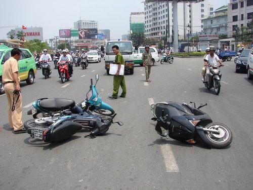 không có bằng lái xe gây tai nạn