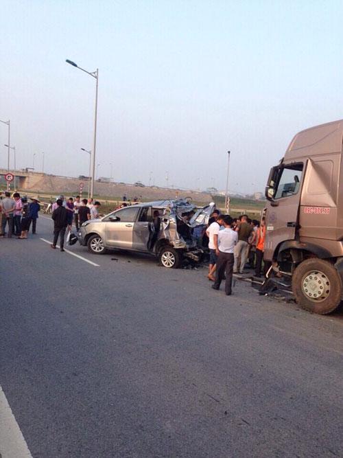Hiện trường vụ tai annj gia thông trên cao tốc