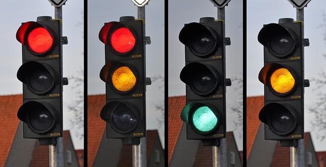 Ý Nghĩa Các Loại Đèn Tín Hiệu Giao Thông Cần Biết