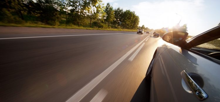 Cách Vượt Xe Đúng Luật: Kinh Nghiệm Lái Xe An Toàn Cho Người Mới